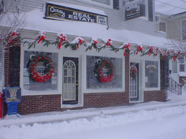 gandy brown realty are decorated for christmas businesses