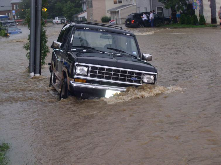 A car going under on Pergola Avenue